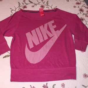 Nike logo half-a-sleeve 💕